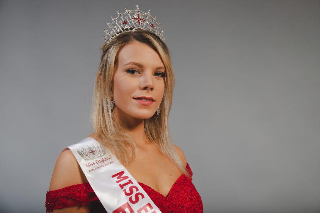 Miss england 2021 bettingadvice razor binary options